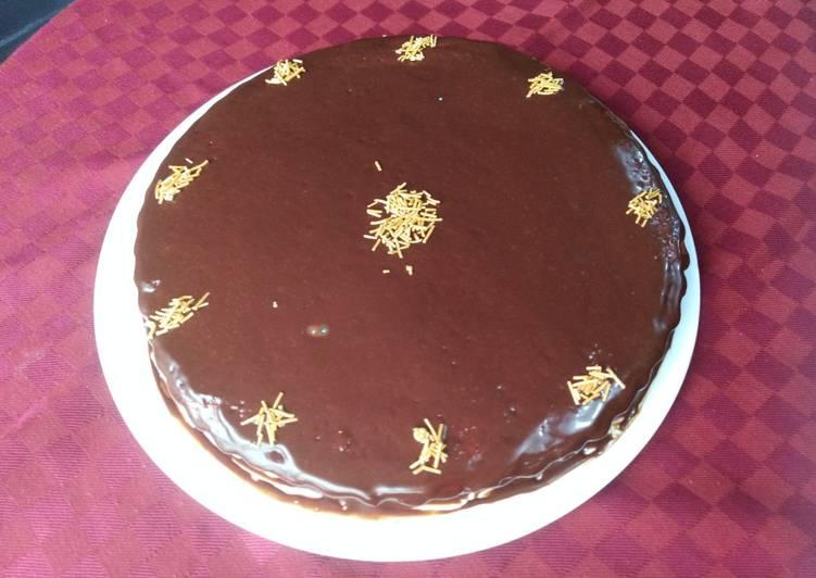 Cake au lait et au glaçage au chocolat