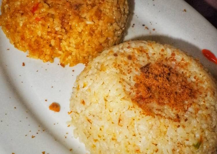 9. Nasi goreng original & nasi goreng kencur sauce abon