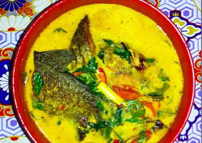 Gulai Ikan Bawal (Pomfret Curry)