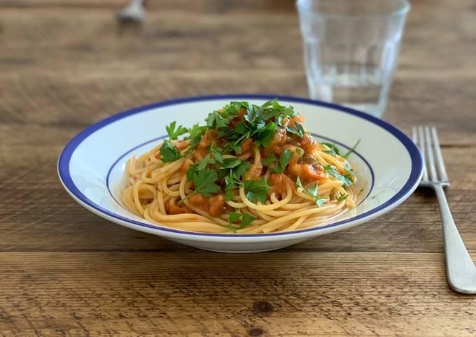 Tomato, anchovies, garlic and chilli pasta