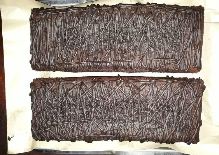 Cara menyajikan Brownies kukus  Mudah