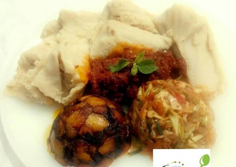 5 Minute Recipe of Refreshing Ekuru (ofuloju)with atadindin,masala vegies and dodo