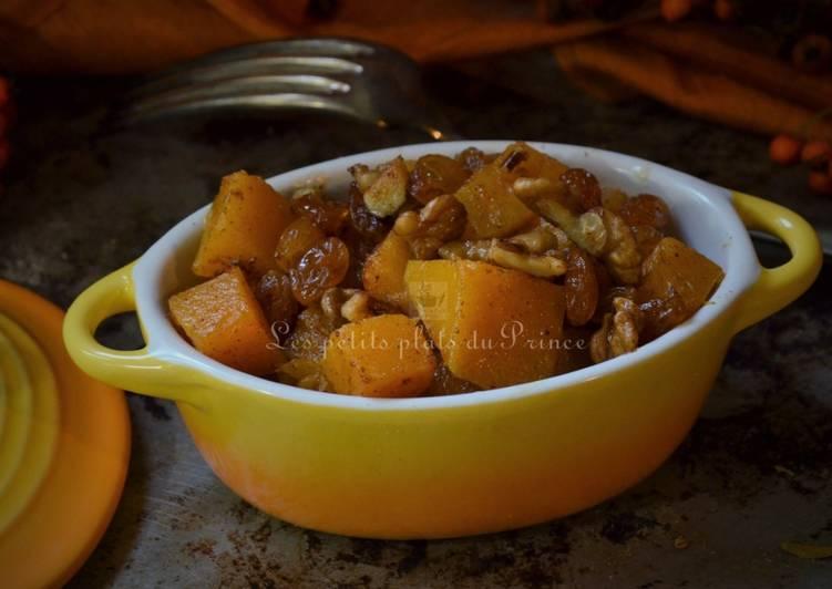 Recette Des Poêlée végétarienne à la courge butternut, noix et raisins secs