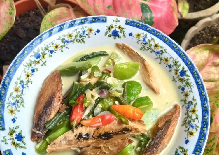Sayur Lodeh ikan Tongkol