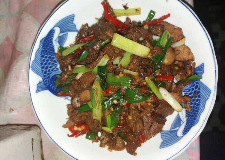 Resep Daging sapi chau daun bawang (chong pao niu rou) Paling Joss