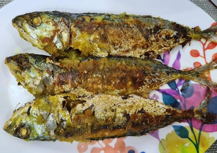 Ikan kembung bakar bumbu kuning