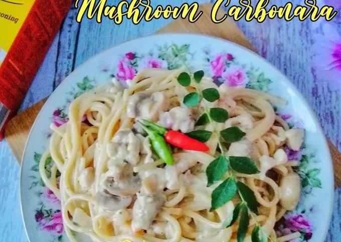 Creamy Salted Egg Mushroom Carbonara