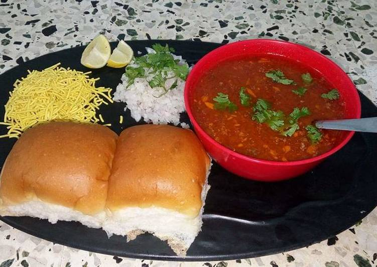 5 Minute How to Prepare Quick Mumbai style Misal Pav