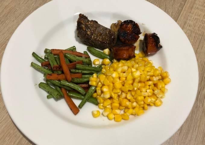 Steak daging sapi-sosis
