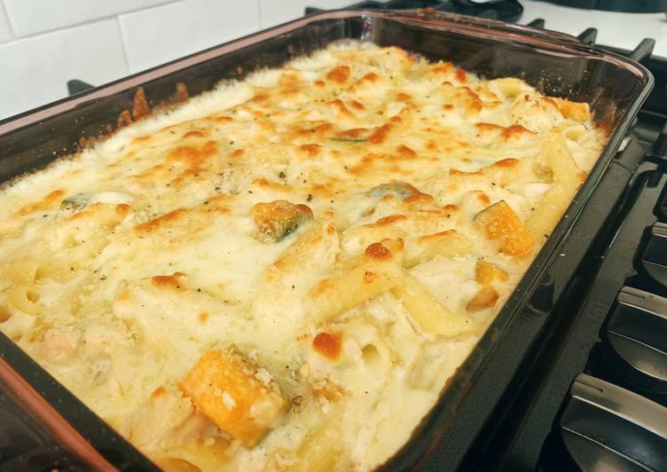 Easiest Way to Prepare Appetizing Cheesy white sauce gratin with chicken and kabocha