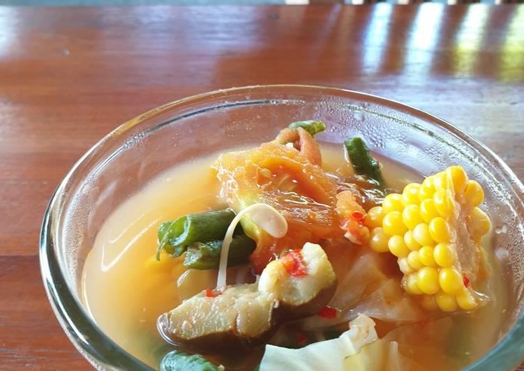 Sour vegetables soup