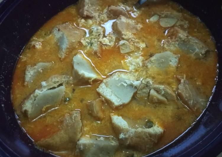 Tahu bakso special white curry