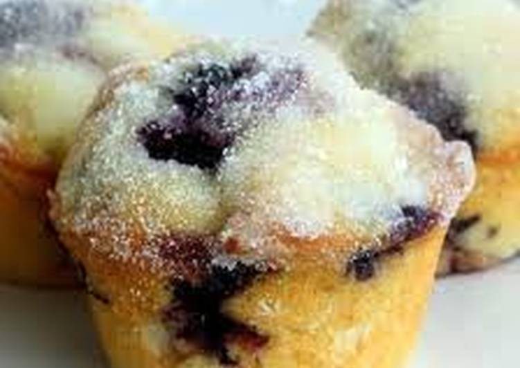Recipe: Appetizing Blueberry and Lemon Cupcakes