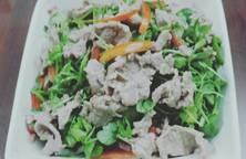 Bò xào & salad cải mầm
