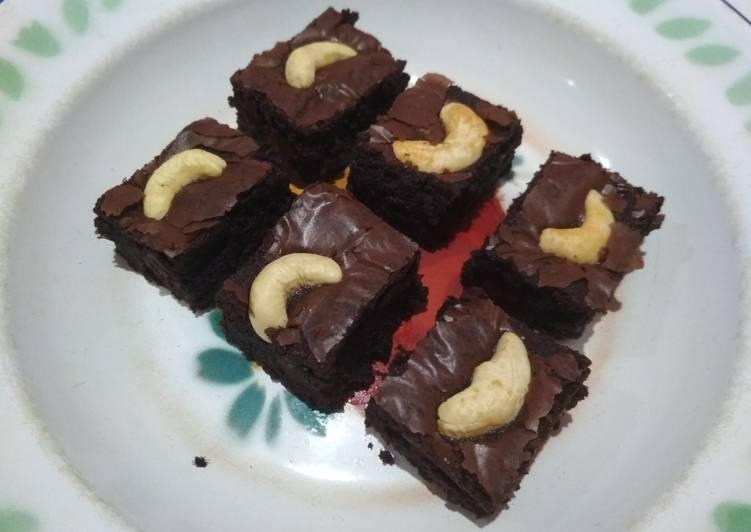 Brownies (fudge, chewy, & shiny crust)