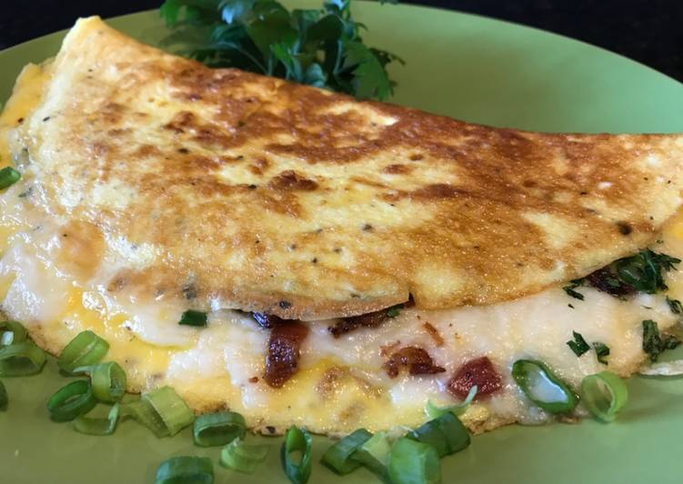 Recipe: Delicious Omelette with Crispy Bacon, Vegetables and Mozzarella Cheese