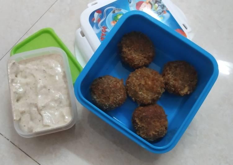 Chhole tikki with curd sauce