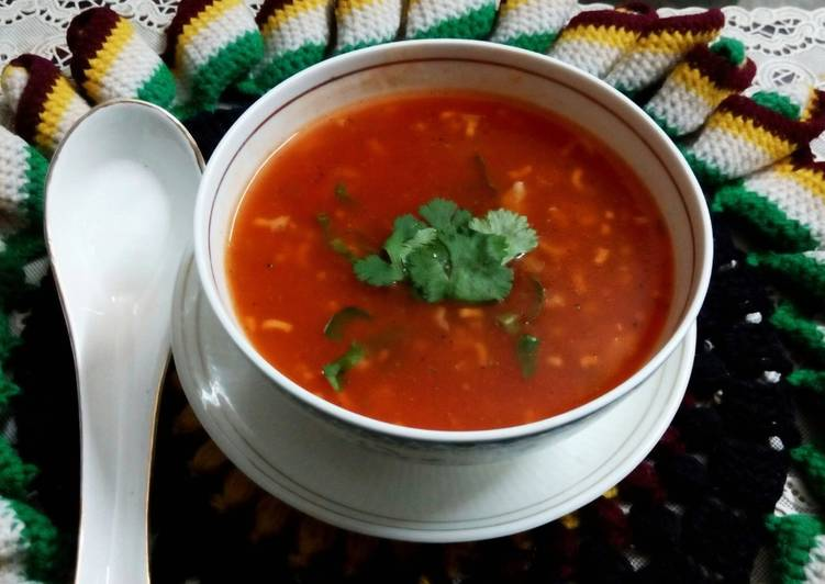 Step-by-Step Guide to Prepare Quick Tomato Basil Noodle Soup