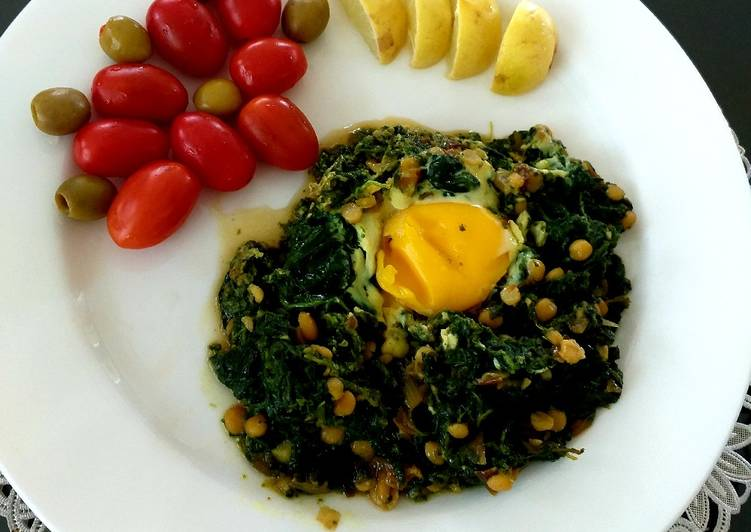 Recipe of Speedy Spinach and split peas with egg(tareh esfenaj)تره اسفناج