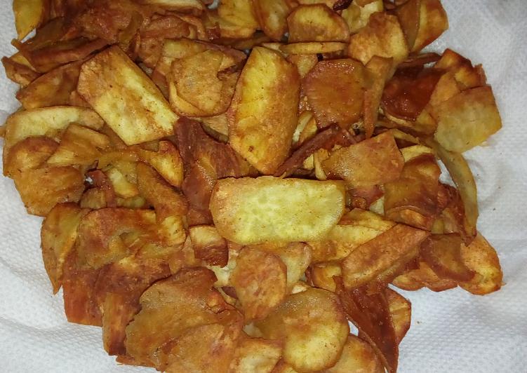 Fried sweet potato chips