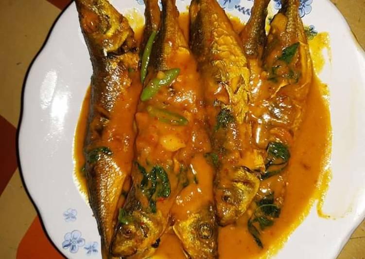 Ikan kembung masak kuning