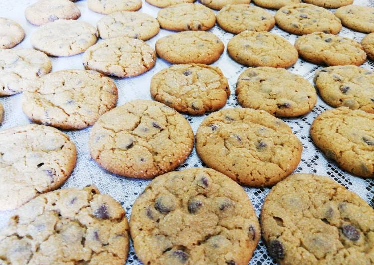 Your Health Can Be Effected By The Foods You Choose To Eat Chocolate Chip Peanut Butter Cookies