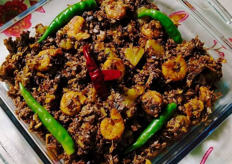 Do You Make These Simple Mistakes In Banana Blossoms Curry With Prawns/Chingri Mach diye Mochar Ghonto