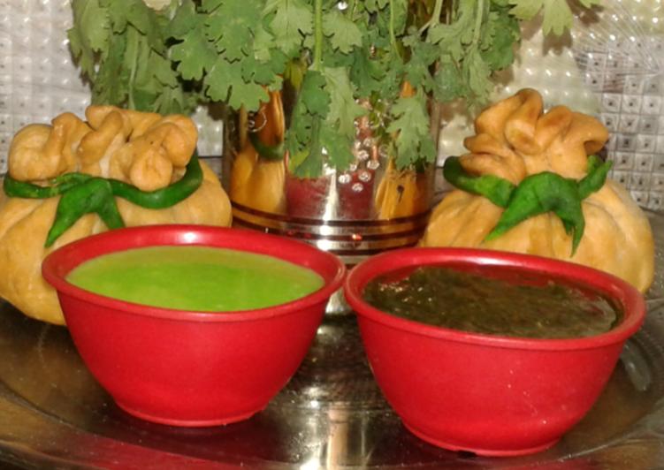 How to Prepare Award-winning Potli samosa with curd n corriander chutneys
