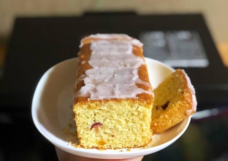 Lemon cake with yogurt and tutti frutti 🍏🍎🍐🍊🍋🍇🍒