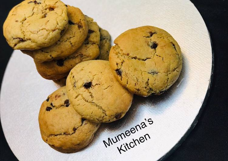 Caramel chocolate chips cookies