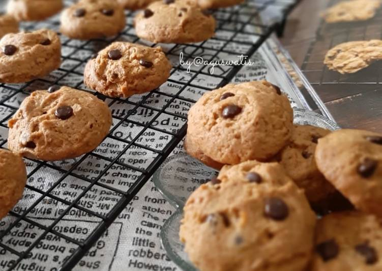 Langkah Mudah untuk Menyiapkan Peanut Butter Choco Chip Cookies yang Lezat