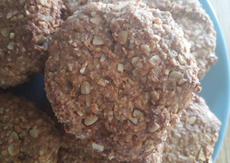 """Peanut butter and banana oat """"cookies"""""""