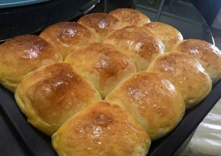Super Fluffy Bread Rolls