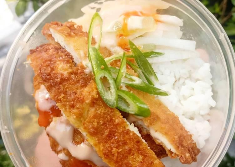 Cara Membuat Chicken katsu bowl with mayo salad yang enak