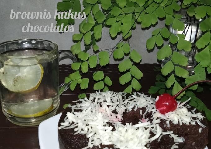 <em>brownis kukus chocolatos</em> tanpa pengembang