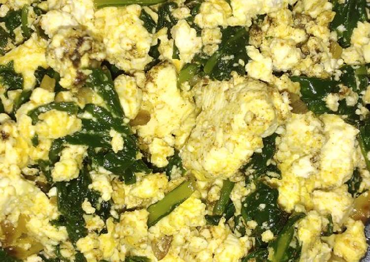 Simple Way to Make Award-winning Stir fry spinach with cottage cheese