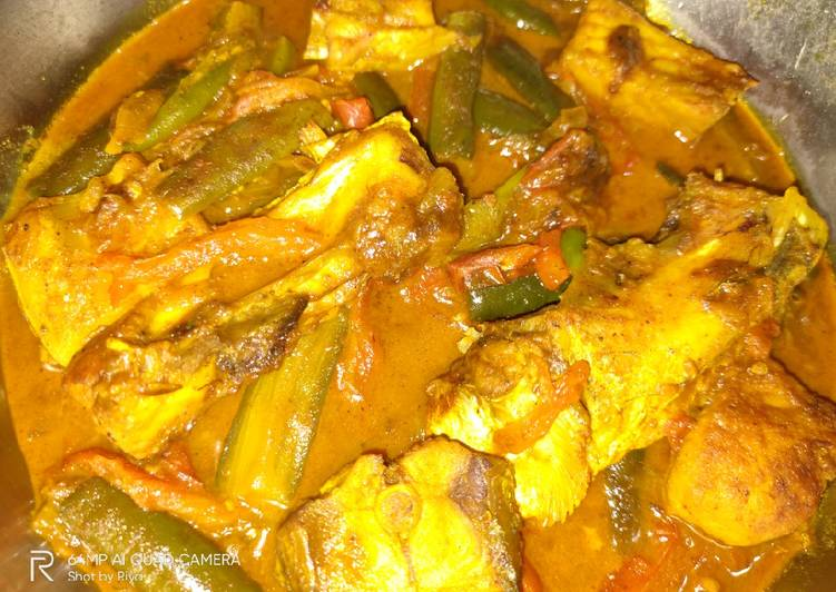 Fish curry with brinjal