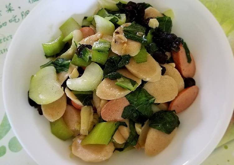 Sauted Brown Rice Cake with Bok Choy and sausages 青菜炒年糕