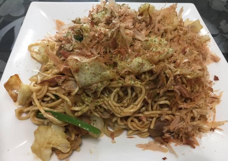 Recipe: Appetizing Japanese style Sauce Fried Noodle (Yakisoba)