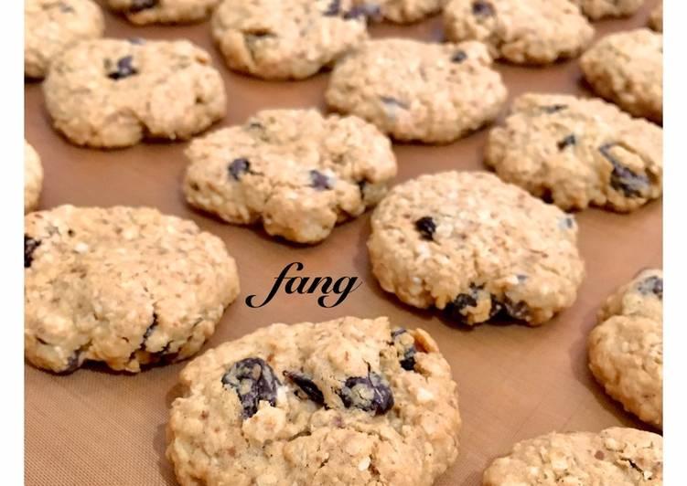 Oatmeal Raisin and Chocochips Cookies