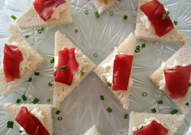 Easiest Way to Make Tasty Tramezzini di caprino e bresaola