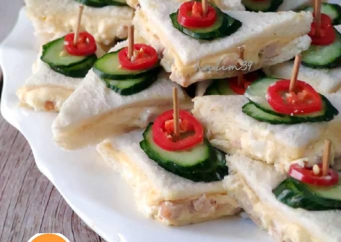 Sandwich Sosej & Telur