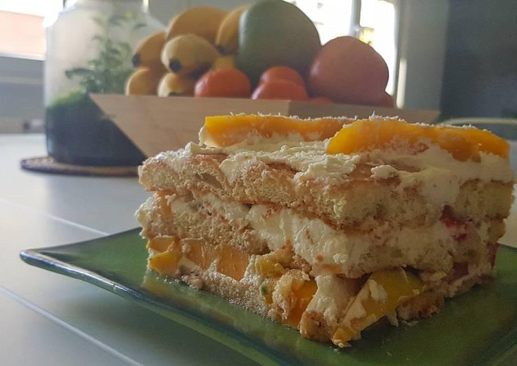 10• 2 Tiramisus aux fruits en 1 : Mangue/Ananas & Fraise/Framboise