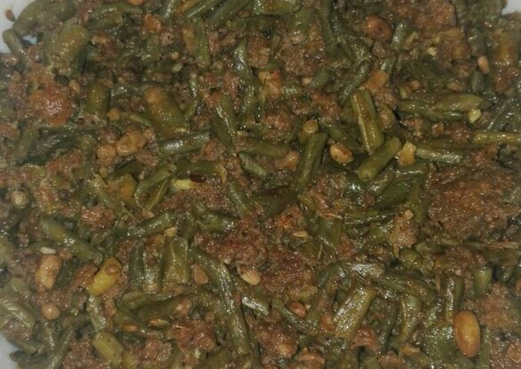 Green Beans (phaliyaan) and Mutton Qeema
