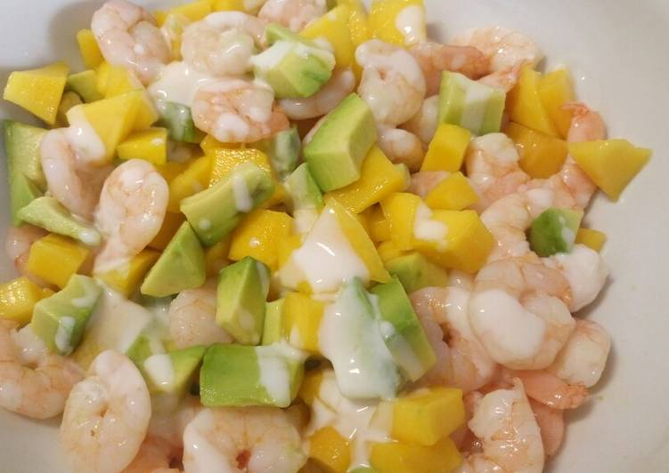 Step-by-Step Guide to Make Top-Rated Mango, avocado and prawn salad