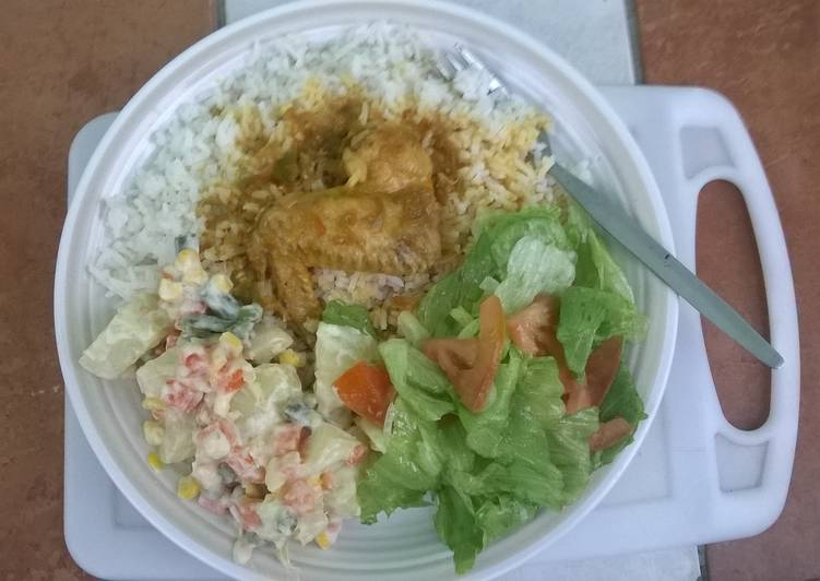 Recipe of Ultimate Chicken Curry and Green salad