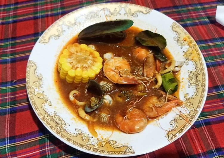 Seafood Saus Padang (Udang, Cumi, Kerang)