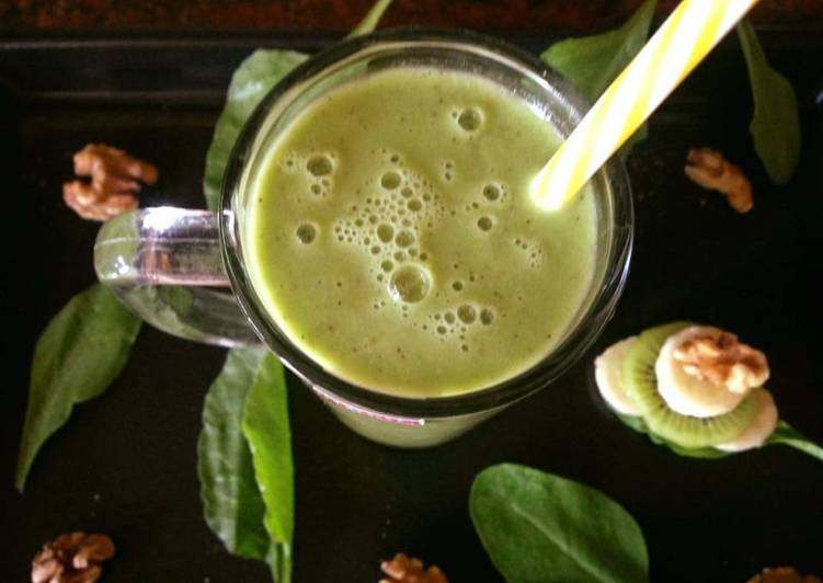 Spinach Kiwi Smoothy