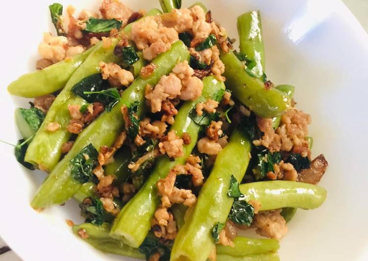 Stir-fried Mince & Green Beans in Chili Garlic Oil