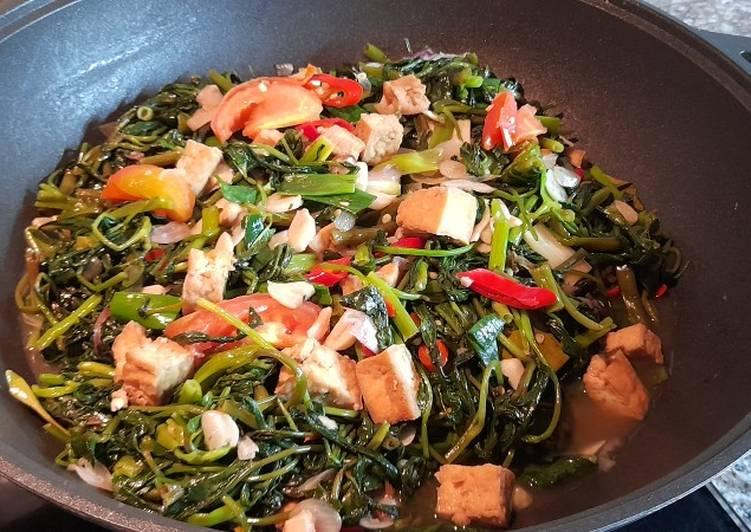 Kangkung tumis tahu terasi - cookandrecipe.com